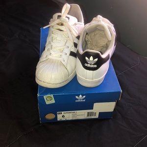 Adidas superstar J sneakers